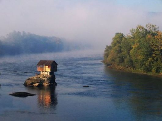 Ultimate Privacy - The House Built In The Middle Of A River