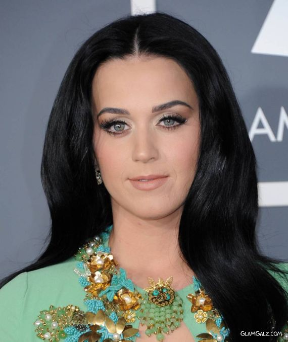 Katy Perry Gracing Up The Grammy Awards Show