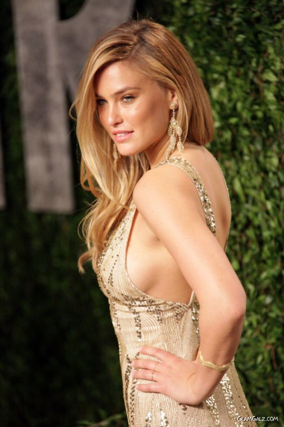 Gorgeous Bar Refaeli At Vanity Fair Oscar Party