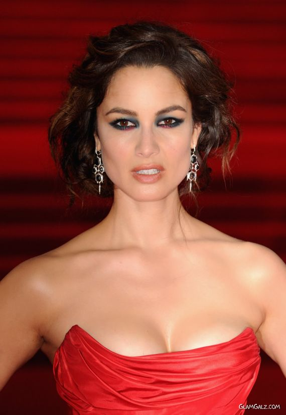 Bond Girl Berenice Marlohe At The Skyfall Premiere