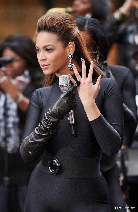 Beyonce Performing in Black