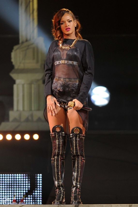 Rihanna Performing At BBT Center In Fort Lauderdale