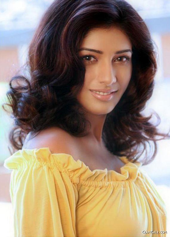 Upcoming Tollywood Actress Divya Bhandari